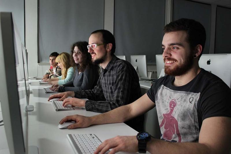 Multimedijalna labaratorija 310 - Perica, Petar, Kata, Ana i Dragomir